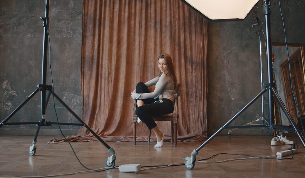 Работа девушке с зарплатой 375 000 рублей